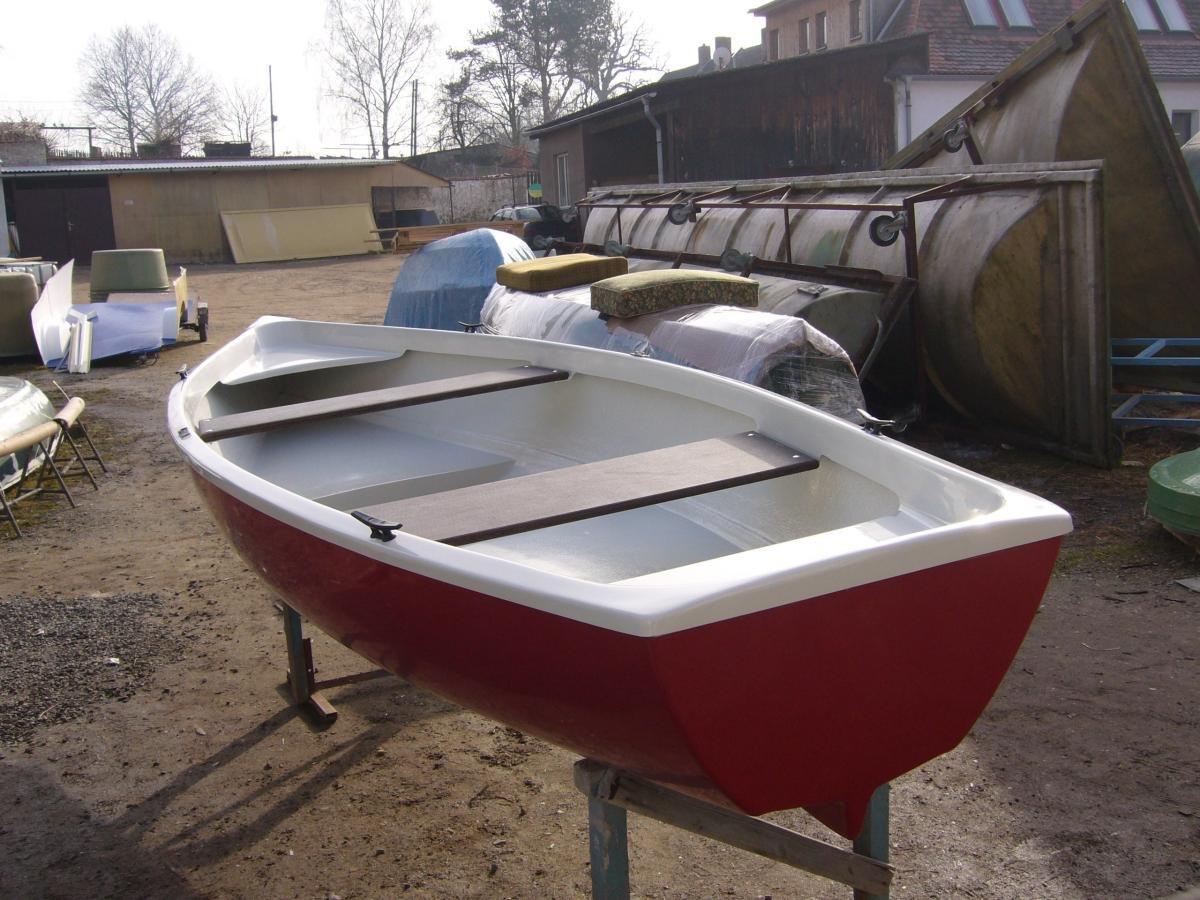 Pramice - rybářský člun 440 bela - rybářská loď