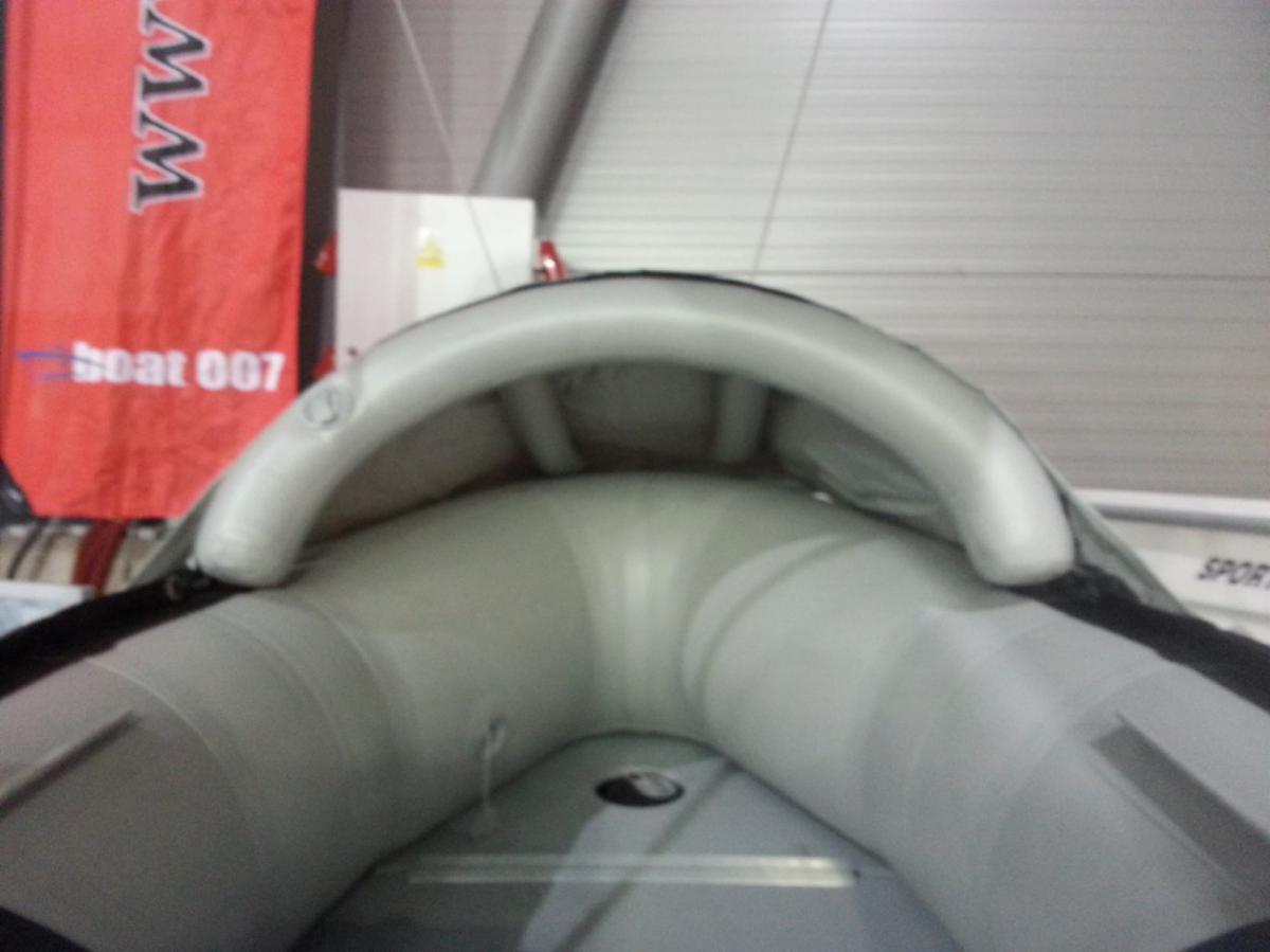 Zakrývací špička na nafukovací čluny